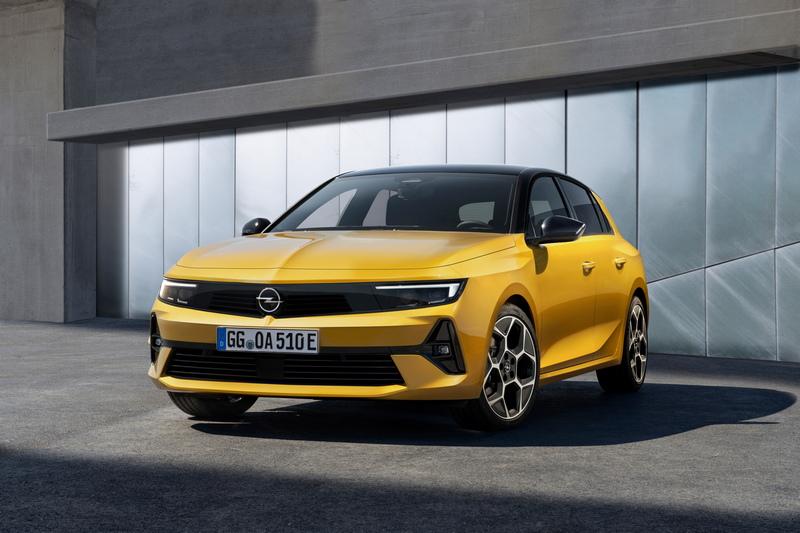 相較於308 Astra設計更顯簡單俐落。