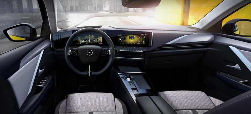 數位儀表與中控螢幕尺寸皆為10吋。
