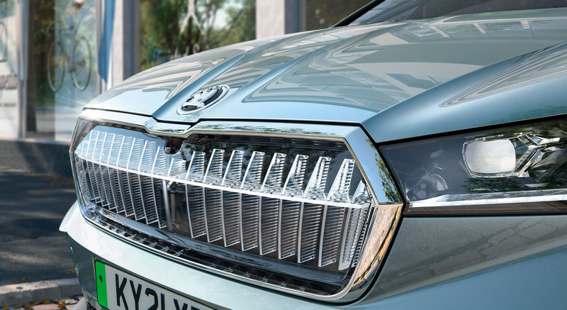 Crystal Face水箱護罩為Enyaq iV Founders Edition與RS車型標配,Enyaq iV 80與80X頂規車型可選配。