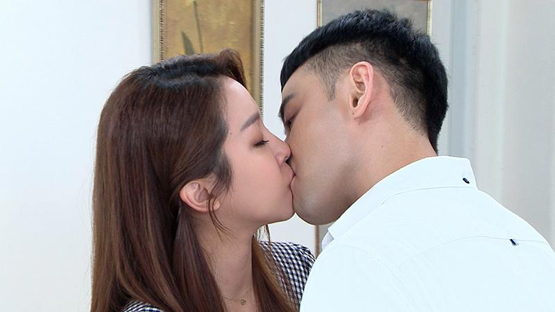 【車勢星聞】潘柏希吻上賴慧如,讚像棉花糖超浪漫。(圖:民視提供)