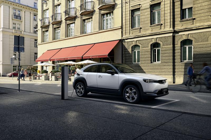 近日有報導指出歐洲Mazda表示MX-30增程車型會如期於2022年推出。
