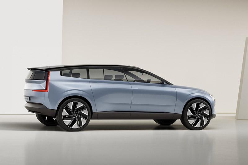 Concept Recharge電動概念車被視為新世代XC90。