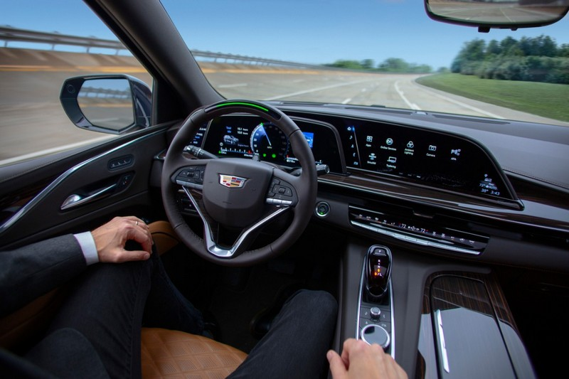 GM認為Ford的BlueCruise與自家Super Cruise相似,由於和解不成所以提告商標侵權。