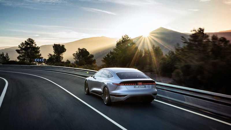 A6 e-tron Concept概念車具有470hp/81.6kgm動力與700公里續航里程。