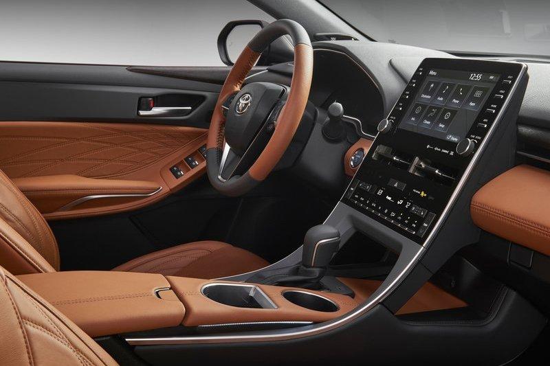 Avalon是Toyota旗下最豪華的房車,座艙當然也高質感的鋪陳。