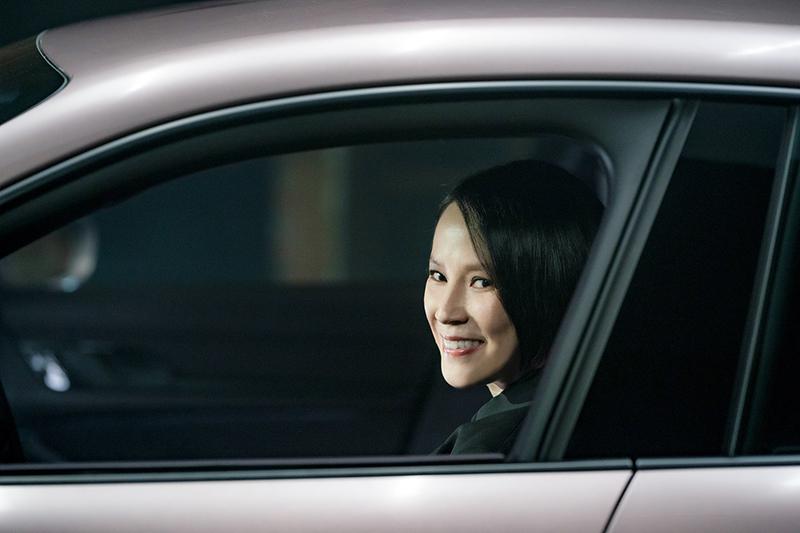 當楊乃文遇見Porsche Taycan,解鎖人生跑車初體驗。(圖:保時捷提供)