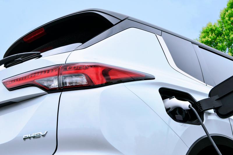 日前傳出Mitsubishi要在本屆東京車展展出Outlander PHEV Evolution,但隨本屆東京車展停辦計畫而有所改變。