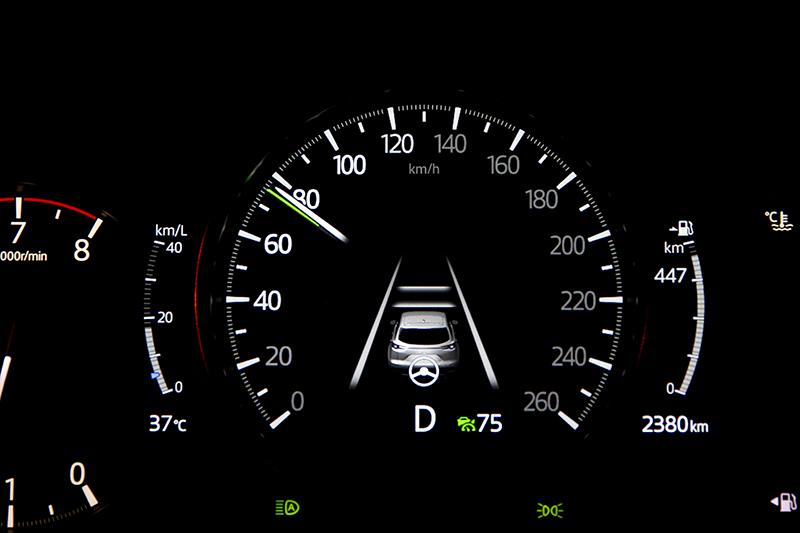 全速域主動車距控制巡航與車到偏移防止系統於高速時相當好用。