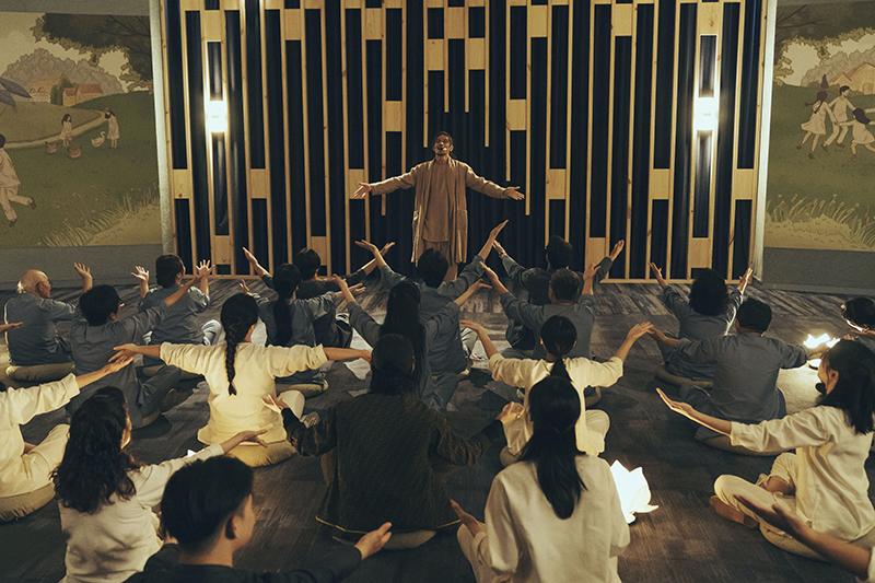 【車勢星聞】姚淳耀在《我願意》劇中飾演本生老師。(圖:絡思本娛樂製作公司提供)