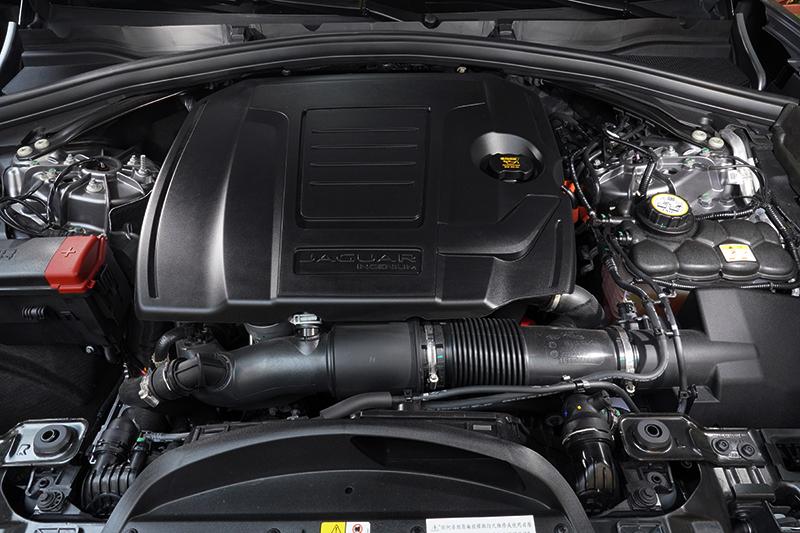 2.0L Ingenium直列4缸渦輪增壓汽油動力心臟,可輸出250PS與365Nm的峰值馬力及扭力。