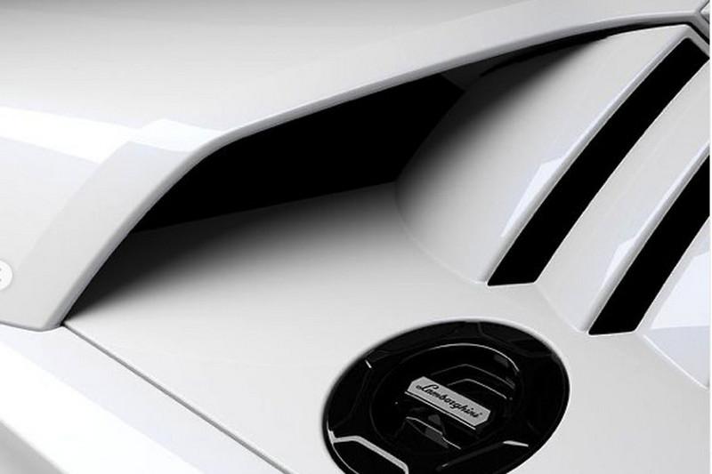 近日Lamborghini釋出新Countach局部圖。