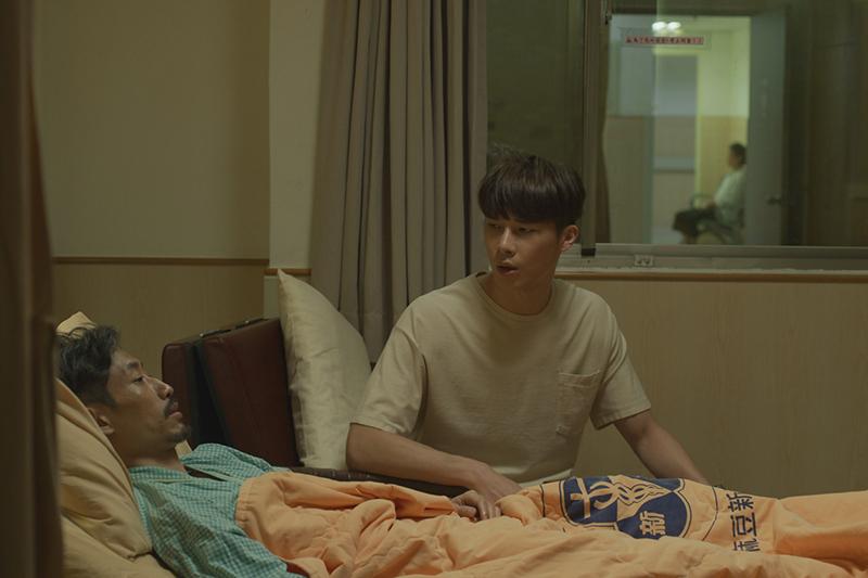 【車勢星聞】《俗女2》劇中陳竹昇突然住院。(圖: 華視/Catchplay提供)
