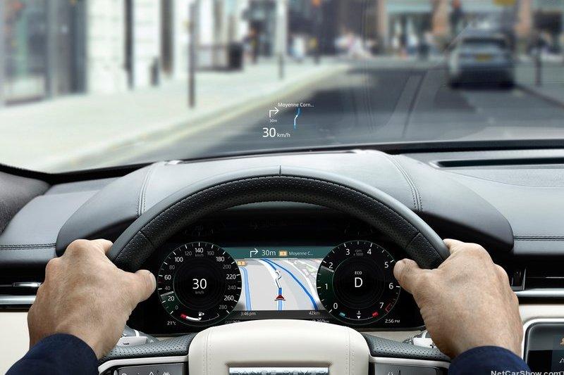 新年式Range Rover Velar導入車道維持。