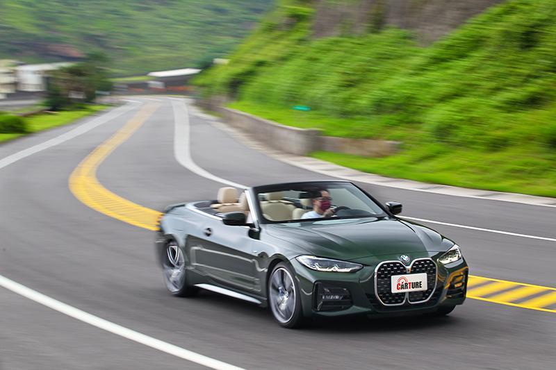430i Convertible M Sport可快可慢,開了篷後更能放大快慢之間的體感。