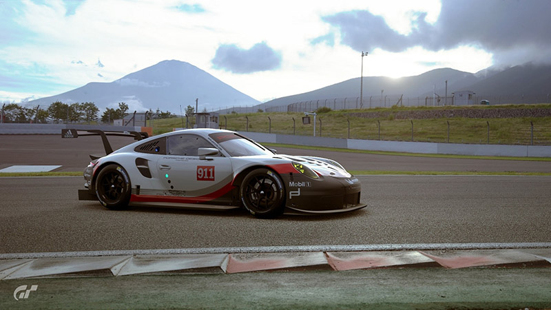 保時捷911RSR於Gran Turismo Sport遊戲畫面。