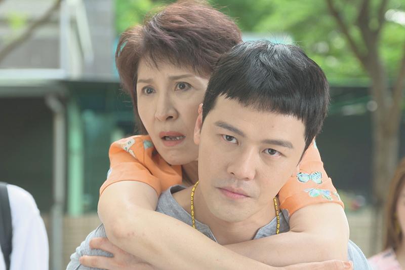 【車勢星聞】趙心妍在《黃金歲月》演出黃文星的媽媽。(圖:民視提供)