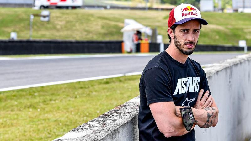 在Aprilia擔任測試車手的Dovizioso則去Yamaha衛星車隊。