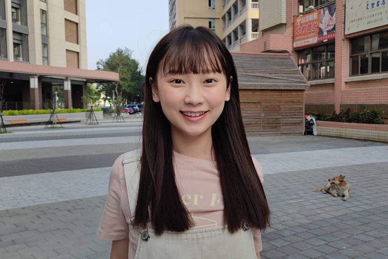 【車勢星聞】吳鈺萱加入《黃金歲月》,拿到劇本先傳給媽媽。(圖:民視提供)