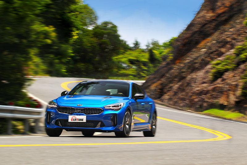 Stinger在此價位帶和級距中擁有豐富的駕駛樂趣。