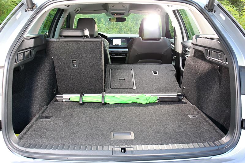 行李廂擁有640~1,700公升置物空間。