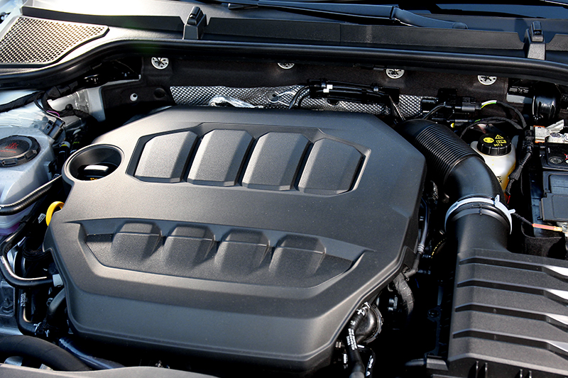 2.0升引擎有190hp/32.7kgm輸出及14lm/L油耗。