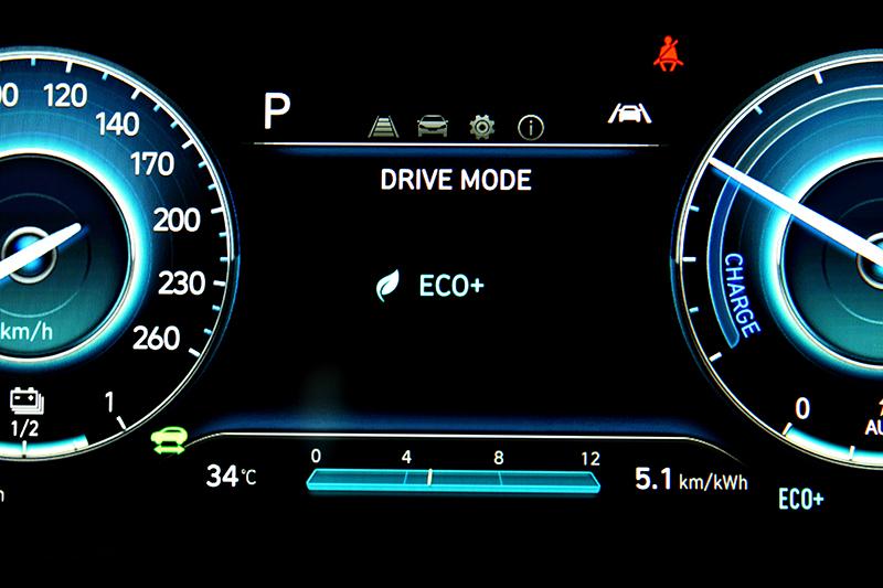 駕駛模式除了原有的Eco、Normal、Sport模式外還多了Eco+模式