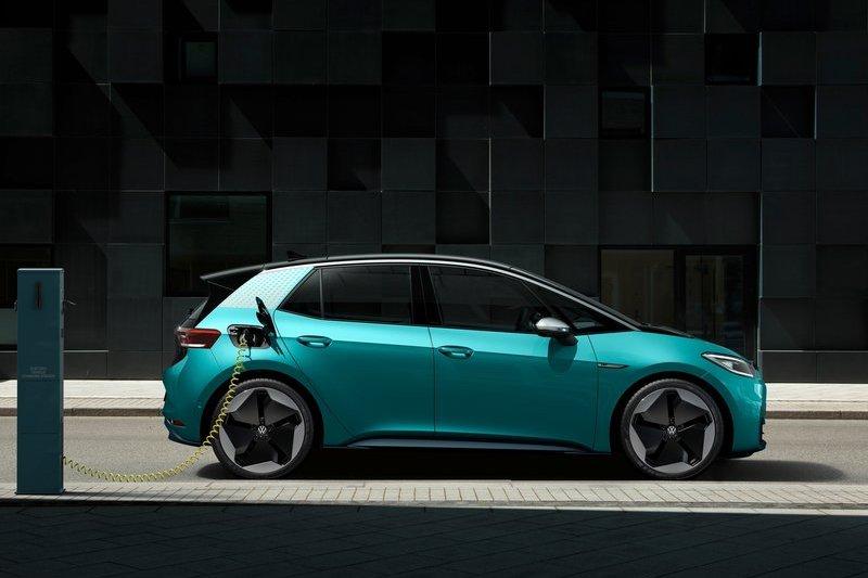 紐約日簽宣布2035年新乘用車與輕卡車銷售只能為零排放車型。