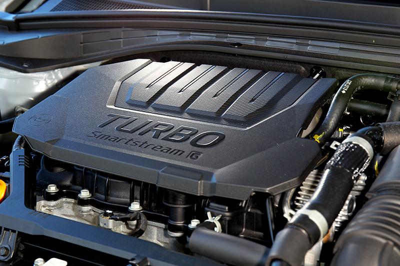 1.5升渦輪引擎提供160hp/25.8kgm輸出。