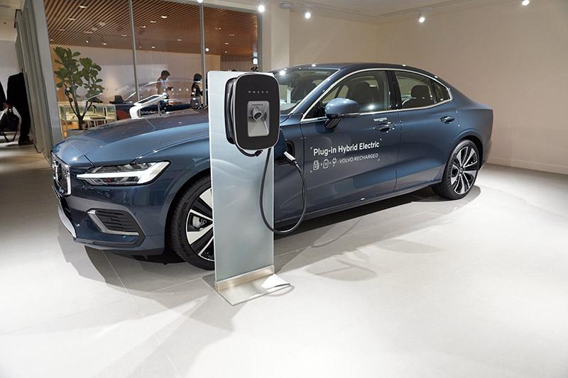 Volvo SELEKT 原廠認證中古車展示區,提供消費者更多元的入主選擇。