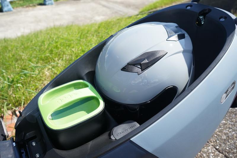 21.6公升的車艙置物空間能輕鬆納入一頂3/4安全帽