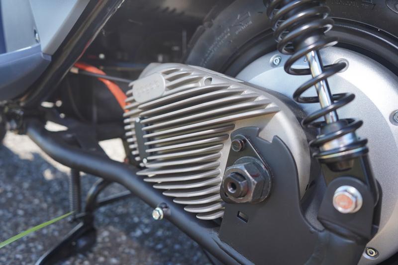 動力採用的是與gogoro Viva相同的GH1整合式鋁合金輪轂馬達