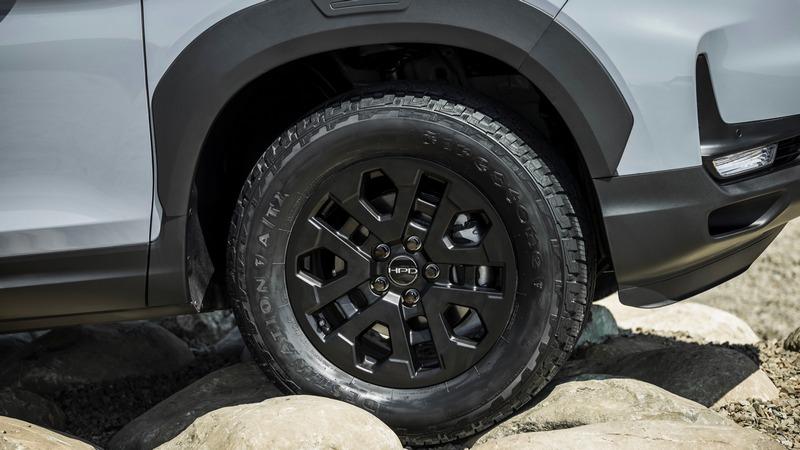 Passport Trailsport配備18吋全地形輪胎。