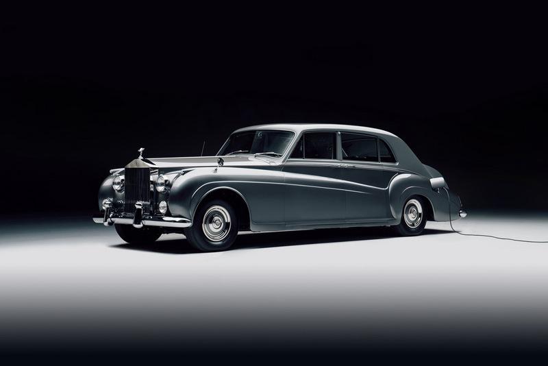 在此之前Lunaz Design已有將Jaguar XK120與Rolls-Royce Phantom V改為電動車經驗。
