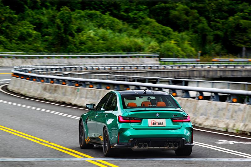 M3 Competition在進出彎加減速引擎出力與檔位配合一氣呵成。