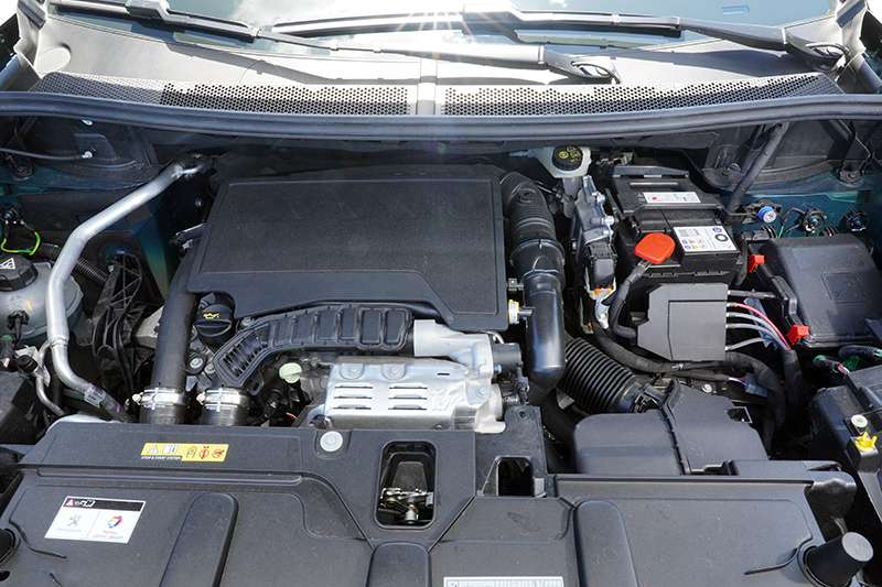 搭載1.2L PureTech引擎的3008是市場中極少數排氣量低於1200c.c.的中型SUV,在稅負上具有優勢。
