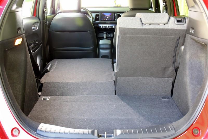 同樣透過Ultra Seat多功能變化座椅,也可獲得既深且廣的行李廂置物空間。