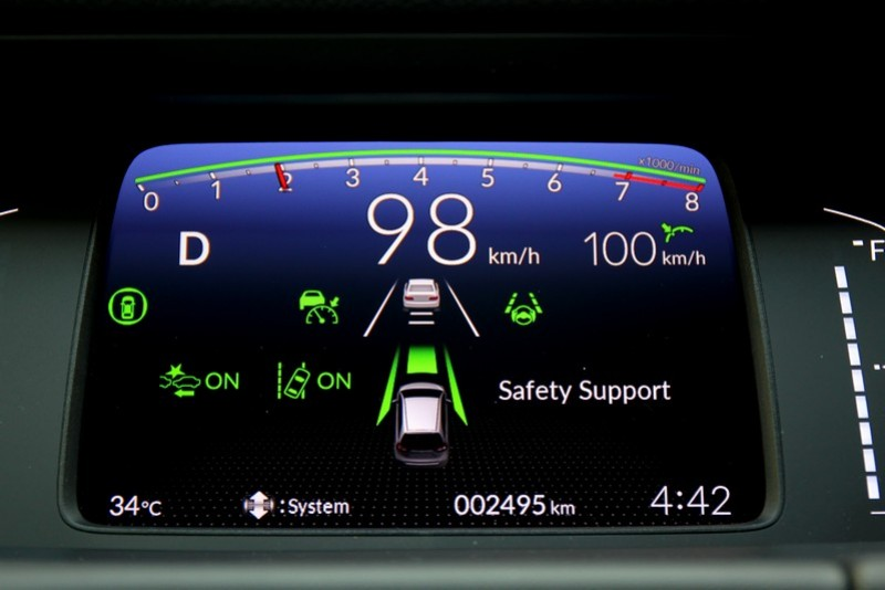 最新一代Honda SENSING智慧安全主動防護系統已囊括包含ACC主動式車距調節定速巡航系統、CMBS碰撞緩解煞車系統、LKAS車道維持輔助系統與RDM道路偏移抑制系統。