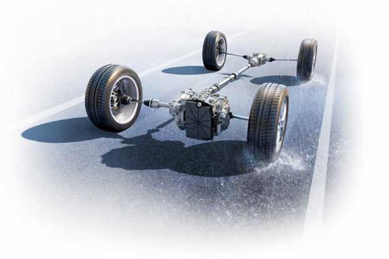 為賦予更強大的全天候高速巡航能力,更配置同級車少見的AWD智慧四輪驅動。
