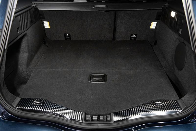 行李廂最高可達1,605L的多元運用空間機能。