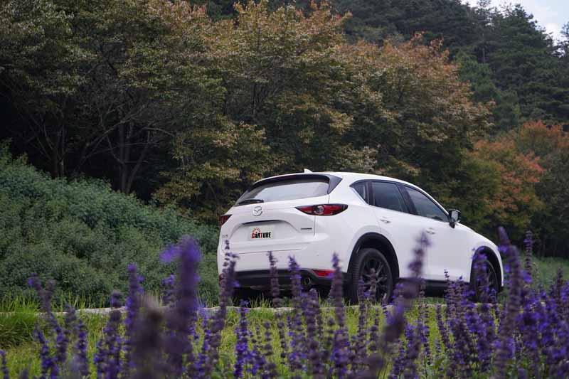 CX-5以98.9萬元起的售價享受進口日系車的細膩質感算是頗為划算的選擇