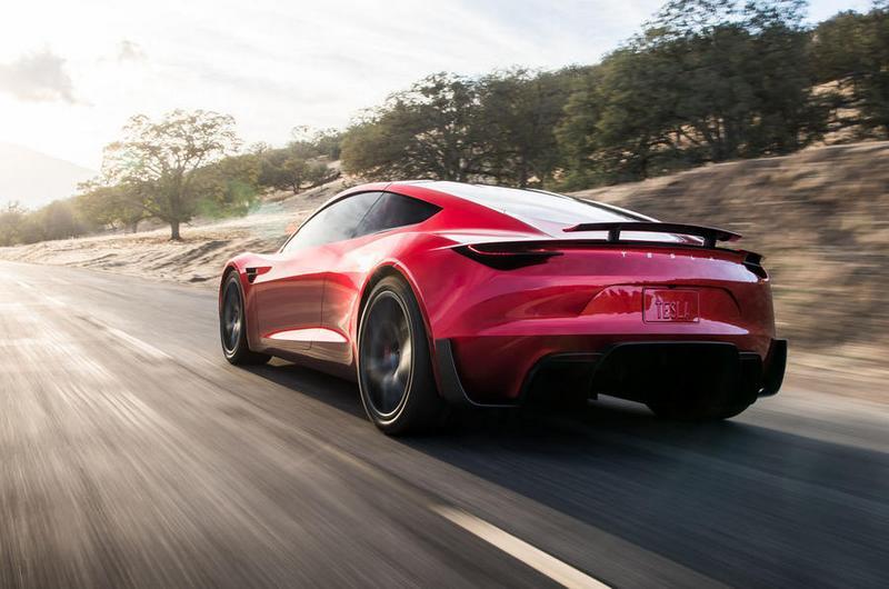 Musk日前在會議中表示Roadster要到2023年才能產製。