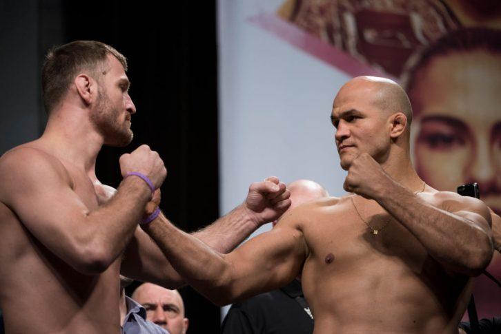 UFC 211:公式計量に臨んだスティペ・ミオシッチとジュニオール・ドス・サントス【テキサス州ダラス/2017年5月13日(Photo by Cooper Neill/Zuffa LLC/Zuffa LLC via Getty Images)】