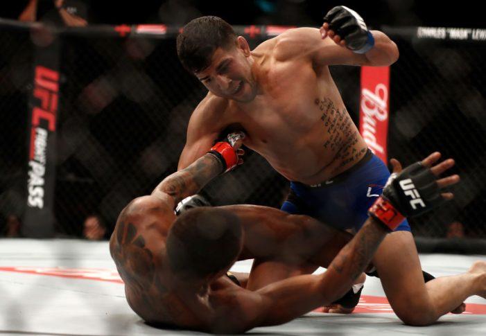 UFC 212:ジョニー・エドゥアルド vs. マシュー・ロペス【ブラジル・リオデジャネイロ/2017年6月3日(Photo by Jeff Bottari/Zuffa LLC/Zuffa LLC via Getty Images)】