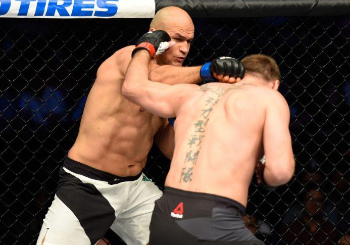 UFC 211:スティペ・ミオシッチ vs. ジュニオール・ドス・サントス【アメリカ・テキサス州ダラス/2017年5月13日(Photo by Josh Hedges/Zuffa LLC/Zuffa LLC via Getty Images)】