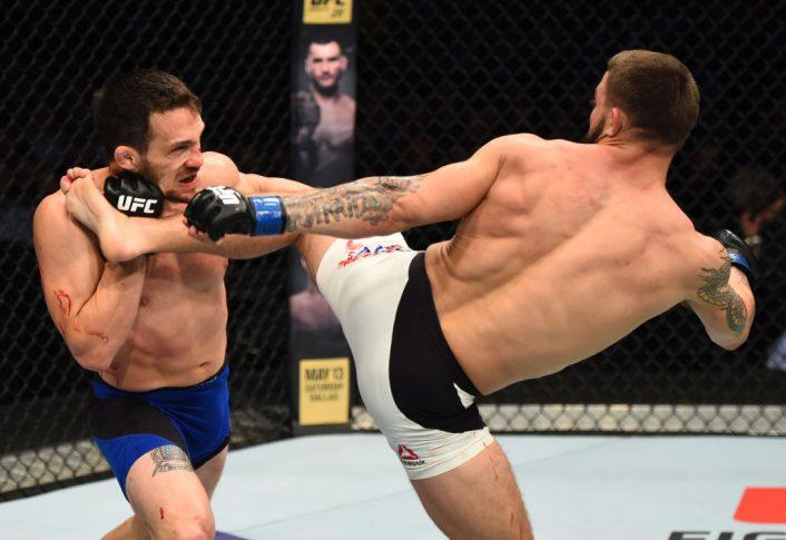 UFCファイトナイト・ナッシュビル:ジェイク・エレンバーガー vs. マイク・ペリー【アメリカ・テネシー州ナッシュビル/2017年4月22日(Photo by Jeff Bottari/Zuffa LLC/Zuffa LLC via Getty Images)】