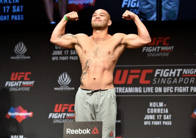 UFCファイトナイト・シンガポール:公式計量セレモニーに登場したフランク・カマチョ【シンガポール・カラン/2017年6月16日(Photo by Brandon Magnus/Zuffa LLC/Zuffa LLC via Getty Images)】