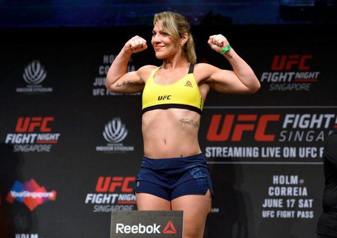 UFCファイトナイト・シンガポール:公式計量セレモニーに登場したベチ・コヘイア【シンガポール・カラン/2017年6月16日(Photo by Brandon Magnus/Zuffa LLC/Zuffa LLC via Getty Images)】