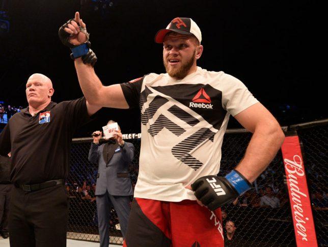 UFCファイトナイト・シンガポール:アンドレイ・アルロフスキー vs. マルチン・ティブラ【シンガポール・カラン/2017年6月17日(Photo by Brandon Magnus/Zuffa LLC/Zuffa LLC via Getty Images)】