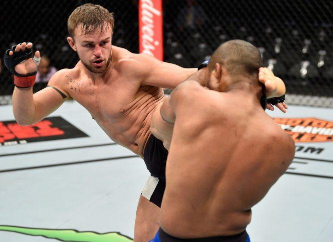 UFC 213:コーディ・ステーマン vs. テリオン・ウェア【アメリカ・ネバダ州ラスベガス/2017年7月8日(Photo by Jeff Bottari/Zuffa LLC/Zuffa LLC via Getty Images)】