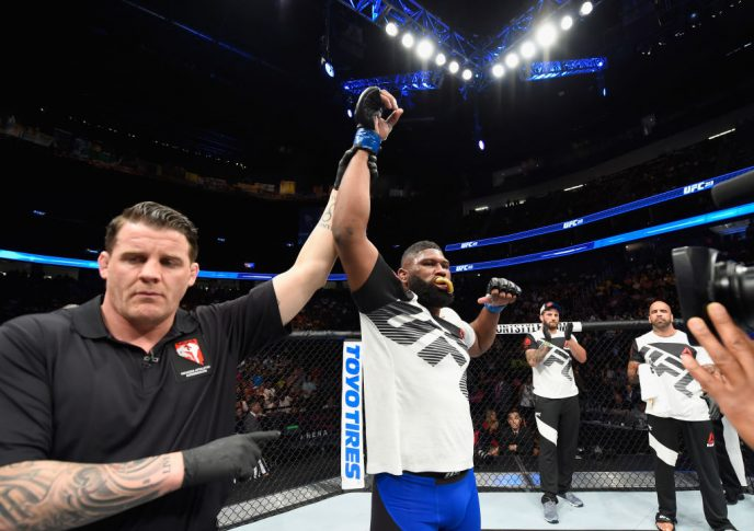 UFC 213:ダニエル・オミランチェク vs. カーティス・ブレイズ【アメリカ・ネバダ州ラスベガス/2017年7月8日(Photo by Josh Hedges/Zuffa LLC/Zuffa LLC via Getty Images)】